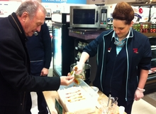 Le député provincial de Caraquet, Hédard Albert, a profité de la dégustation de produits d'érable